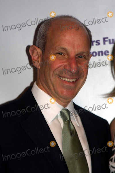 Jonathan Tisch Photo - The Actors Fund Annual Gala the New York Marriott Marquis Hotel New York City 04-12-2010 Jonathan Tisch Photo by Barry Talesnick-ipol-Globe Photos Inc 2010