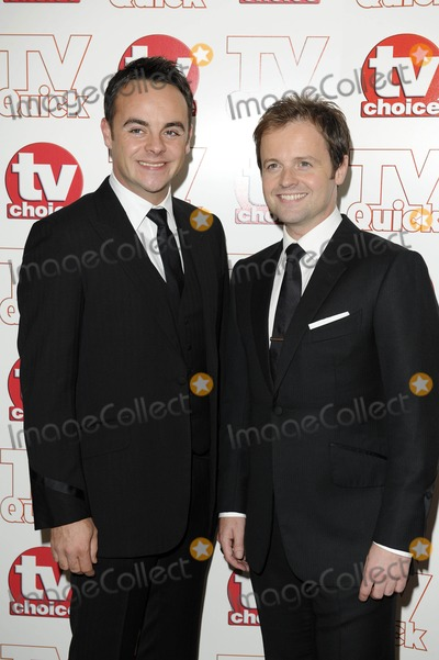 Ant  Dec Photo - Anthony Mcpartlin  Declan Donnelly - Ant  Dec Tv Presenters 2009 Tv Quick and Tv Choice Awards at Dorchester Hotel in Park Lane  London  England 09-07-2009 Photo by Neil Tingle-allstar-Globe Photos Inc