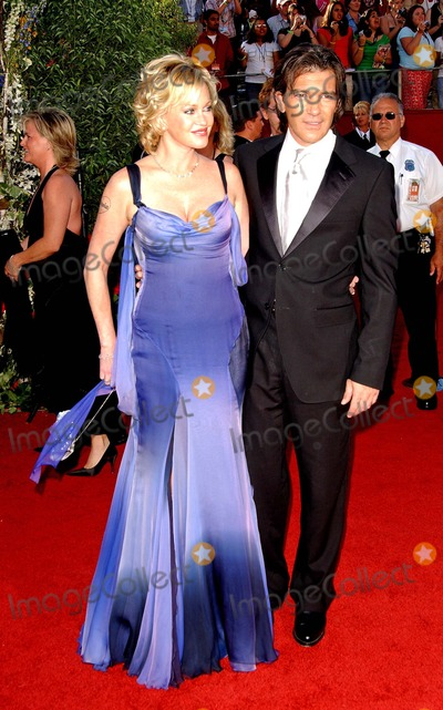 Melanie Griffith Photo - 56th Annual Primetime Emmy Awards Arrivals at the Shrine Auditorium in Los Angeles California 091904 Photo by Fitzroy BarrettGlobe Photos Inc 2004 Antonio Banderas and Wife Melanie Griffith