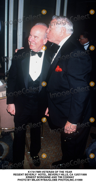 Tim Conway Photo - veteran of the Year Regent Beverly Hotel Beverly Hills CA 12071999 Ernest Borgnine and Tim Conway Photo by Milan RybaGlobe Photosinc