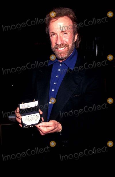 Chuck Norris Photo - Chuck Norris Photo Lisa Rose  Globe Photos Inc 1995 Chucknorrisretro