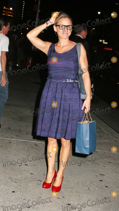 Amy Sedaris Photo - Guests Exiting Letterman Show Ed Sullivan Theater in New York City 08-25-2008 Photo by Paul Schmulbach-Globe Photos Inc Amy Sedaris
