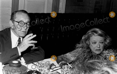 Alan Hunter Photo - Bette Davis and Paul Henreid 6-1977 Photo by Alan Hunter-Globe Photos Inc