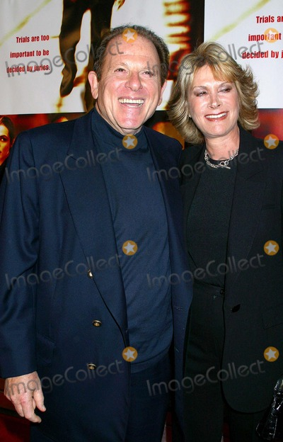 Arnold Kopelson Photo - Runaway Jury World Premiere at the Cinerama Dome Theatre Hollywood CA 10092003 Photo by Clinton H Wallace  Ipol  Globe Photos Inc 2003 Arnold Kopelson and Wife Ann