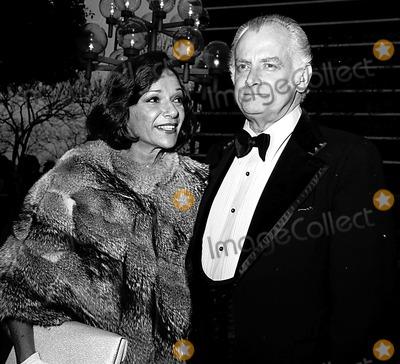 Art Carney Photo - Academy Awards  Oscars Art Carney and His Wife 1975 1899 Nate CutlerGlobe Photos Inc