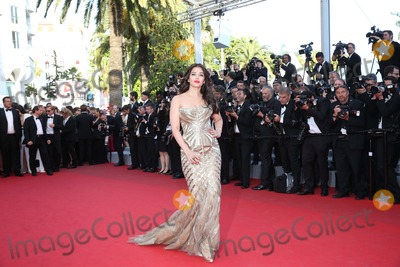 Aishwarya Ray Photo - Aishwarya Rai attends the Premiere of Two Days One Night During the 67th Cannes International Film Festival at Palais Des Festivals in Cannes France on 20 May 2014 Photo Alec Michael