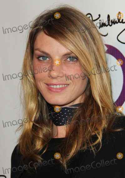 Angela Lindvall Photo - Angela Lindvall attends Grand Opening of Kimberly Snyders Glow Bio on 14th November 2012 Melrose Avenuewest Hollywoodcausaphoto TleopoldGlobephotos