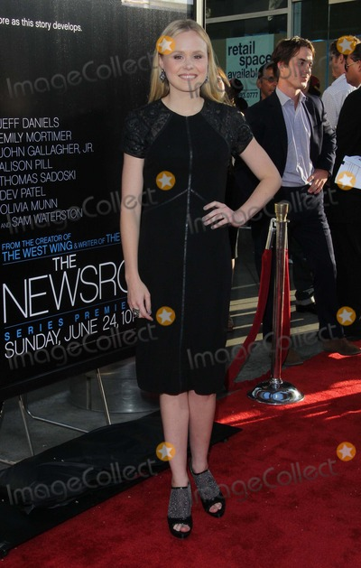 ALLISON PILL Photo - Allison Pill attends Los Angeles Premiere of Hbos the Newsroom on the 20th June 2012 at the Cinerama Domelos AngelescausaphototleopoldGlobephotos