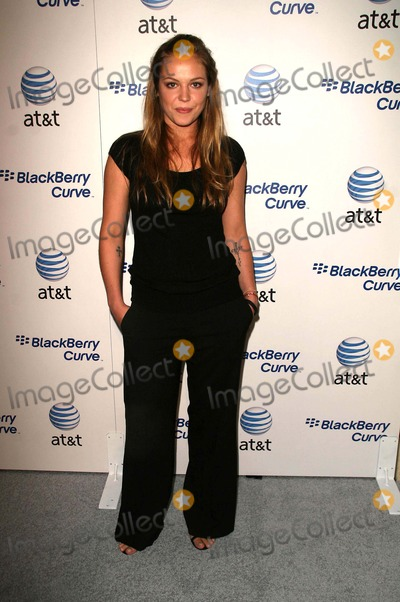 Agnes Bruckner Photo - Launch Party For the Blackberry Curve Presented by Att Regent Beverly Wilshire Beverly Hills CA 05-31-07 Agnes Bruckner Photo Clinton H Wallace-photomundo-Globe Photos Inc