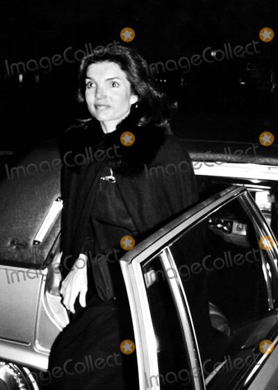 Jacqueline Kennedy Onassis Photo - Jacqueline Kennedy Onassis 5-3266 Paul SchmulbachGlobe Photos Inc