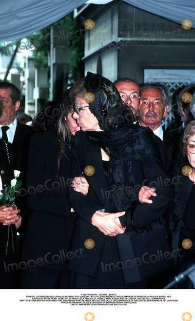 As Yet Photo - IMAPRESS PH  CLEMOT  BENITOFUNERAL OF PRINCESS LEILA PAHLAVI IN PARIS 16TH JUNE 2001 IN TOTAL BEREAVEMENT THE EX-EMPRESS OF IRAN FARAH PAHLAVI BURIED HER DAUGHTER IN THE PASSY CEMETERY IN PARIS LEILA PAHLAVI 31 PASSED AWAY A WEEK AGO IN LONDON THE OFFICIAL COMMUNIQUE WRITTEN BY HER MOTHER INDICATED THAT SHE PASSED AWAY IN HER SLEEP BUT THE EXACT CIRCUMSTANCES OF THE DEACEASED REMAIN AS YET UNKNOWNPRINCESS FARAHNAZ PLACES HER HEAD ON EMPRESS FARAHS SHOULDERCREDIT IMAPRESSCLEMOTBENITOGLOBE PHOTOS INC