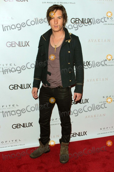 Andrew Allen Photo - Andrew James Allen Arrives at Genlux Issue Release Party Hosted by Jenna Elfman at the Sofitel Hotellos Angelescausa Photo TleopoldGlobephotos
