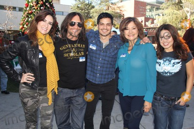 Benny Nieves Photo - 5th Annual Celebrity Blood Drive Hosted by Nicholas Gonzalez and Benny Nieves Childrens Hospital Los Angeles-blood Donation Center Los Angeles CA 12142013 Clifton Collins Jr and Nicholas Gonzalez Clinton H WallacephotomundoGlobe Photos Inc