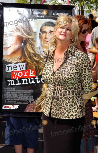 Dennie Gordon Photo - New York Minute World Premiere at Graumans Chinese Theatre Hollywood California 050104 Photo by Miranda ShenGlobe Photos Inc 2004 Dennie Gordon