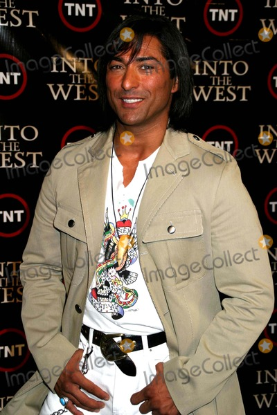 Jay Tavare Photo - the Premiere of Into the West at the Museum of Natural History New York City 06-06-2005 Photo by Paul Schmulbach-Globe Photos 2005 Jay Tavare