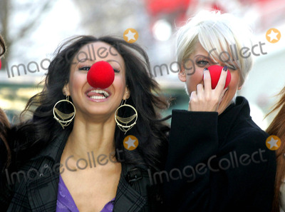 Amelle Berrabah Photo - Amelle Berrabah and Sarah Harding Comic Relief Red Nose Day 2007 Launch-photocall-british Airways London Eye South Bank London 01-31-2007 Photo by Mark Chilton-richfotocom-Globe Photos Inc 2007