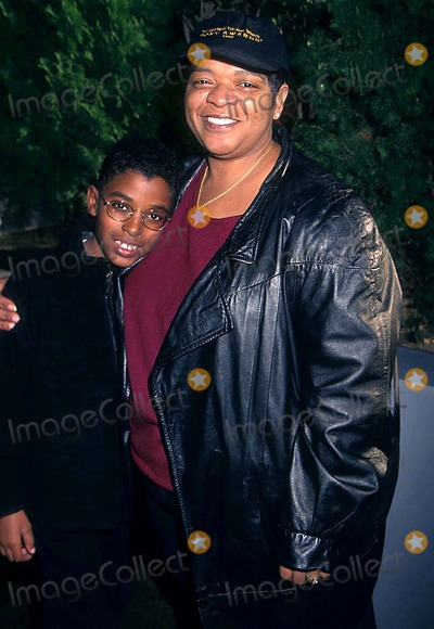 Nell Carter Photo - Discover Stars on Ice at the Great Western Forum Los Angeles CA 1171999 Photo Tammie Arroyo Ipol Globe Photos Inc 1999 Nell Carter and Josh Nellcarterretro