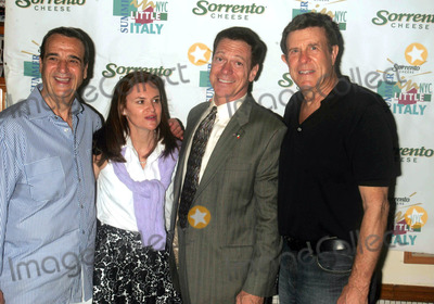 Cousin Brucie Photo - JOEY REYNOLDS CRISTYNE L NICHOLAS JOE PISCOPO AND COUSIN BRUCIE MORROW ARE INDUCTED INTO THE LITTLE ITALY WALL OF FAME AFTER A PRESS CONFERENCE AT ORIGINAL VINCENTS RESTAURANTLITTLE ITALY  NEW YORK CITY 05-26-2007PHOTOS BY RICK MACKLER RANGEFINDER-GLOBE PHOTOS INC2007JOEY REYNOLDS CRISTYNE L NICHOLAS JOE PISCOPO AND COUSIN BRUCIE MORROW K53264RM