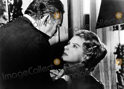 Anthony Quinn Photo - Ingrid Bergman and Anthony Quinn in the Visit 1964 11321 Supplied by IpolGlobe Photos Inc Ingridbergmanobit