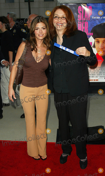 Melanie Mayron Photo - - Slap Her Shes French Movie Premiere Academy of Motion Picture Theatere Beverly Hills CA 082802 Photographer Fitzroy BarrettGlobe Photos Inc Alexander Adi and Director Melanie Mayron