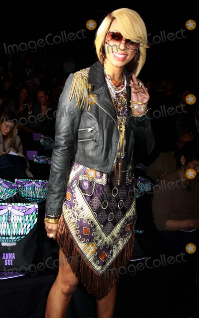 Anna Sui Photo - Anna Sui Fashion Show-fall 2011-celebrities Mercedes-benz Fashion Week Lincoln Centernyc February 16 2011 Photos by Sonia Moskowitz Globe Photos Inc 2011 Keri Hilson
