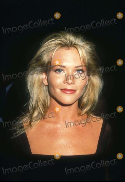 Amy Locane Photo - Amy Locane 1992 L3901 Photo by Michael Ferguson-Globe Photos Inc