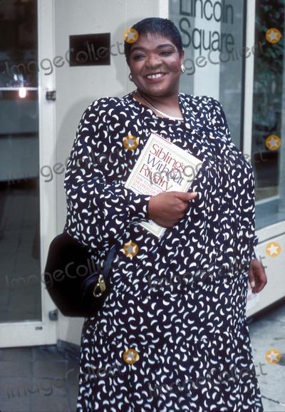 Nell Carter Photo - Nell Carter F4574 1987 Photo by Jonathan Green  Globe Photos Inc Nellcarterretro