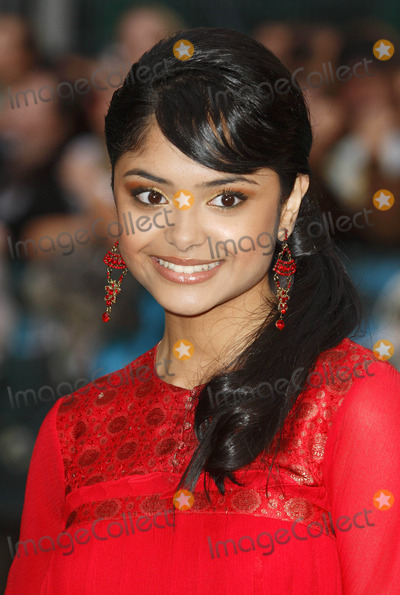 Afshan Azad Photo - Afshan Azad Arrives at the Uk Film Premiere Harry Potter and the Order of the Phoenix at the Odeon Leicester Square  London 07-03-2007 Photo by Mike Marsland-spotlight-Globe Photos Inc