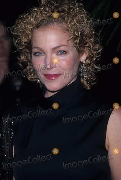 Amy Irving Photo - Amy Irving the 29th Afi Life Achievement Awards at Beverly Hilton Hotel Los Angeles 2001 K21164fb Photo by Fitzroy Barrett-Globe Photos Inc