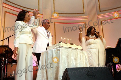 Aretha Franklin Photo - Aretha Franklin Performs at Congressman Charlie Rangels Birthday Celebration at the Plaza Hotel in New York 81011ny Congressman Charlie Rangel with His Wife and Singer Aetha Franklin Photo by Bruce Cotler-Globe Photos Inc