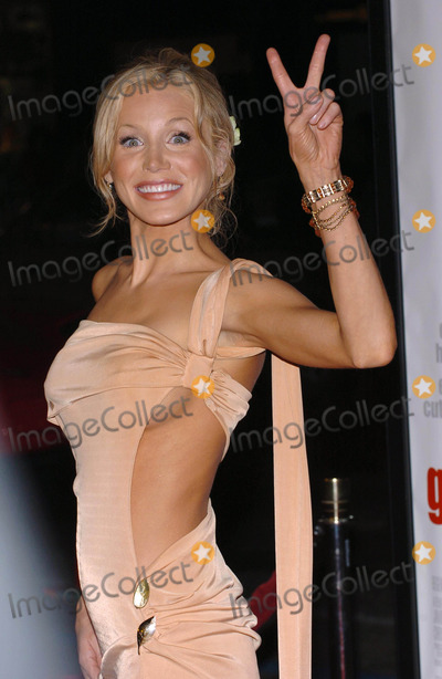 Amanda Swiston Photo - the Girl Next Door World Premiere at Manns Grauman Chinese Theatre in Hollywood California 030404 Photo by Fitzroy BarrettGlobe Photos Inc2004 Amanda Swiston