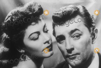 Ava Gardner Photo - Robert Mitchum with Ava Gardner in My Forbidden Past Supplied by Globe Photos Inc Tv-film-still