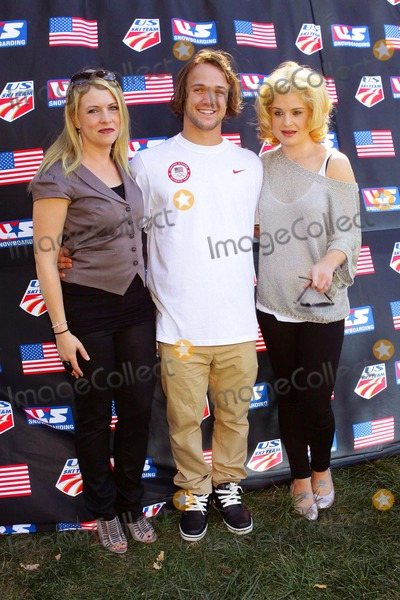 Louie Vito Photo - Melissa Joan Hart Louie Vito Kelly Osbourne Pro Ski Event Benefit with the Us Olympic Ski  Snowboarding Teams Held at Private Residencetopangacalifornia 10-03-2010 Photo Tleopold-Globephotos Inc 2010