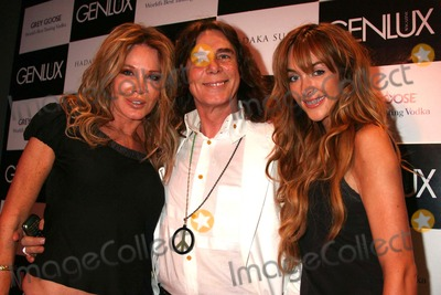 Christine Peters Photo - Genlux Magazine Presents Marc Baptiste Nudes Collection Opening Night Reception the Celebrity Vault Beverly Hills CA 060608 Christine Peters George Blodwell and Courtney Bingham Photo Clinton H Wallace-photomundo-Globe Photos Inc
