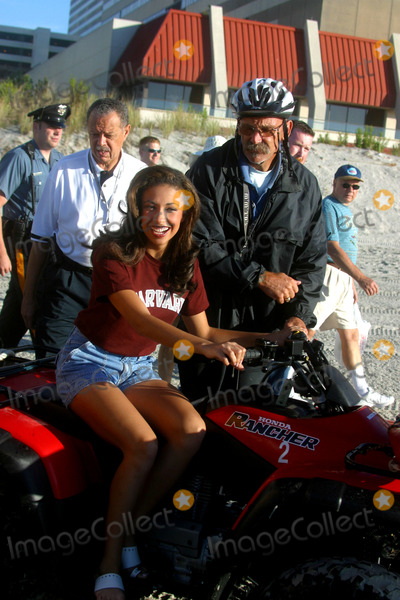 Erika Harold Photo - Sd0922 Miss America Beach Photoshoot Atlantic City Beachnj Photojohn BarrettGlobe Photos Inc 2002 Erika Harold Miss America 2003