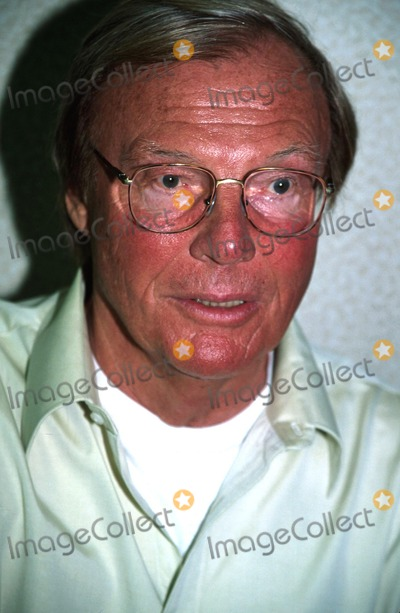 Adam West Photo -  419-2002 the Chiller Convention - Gathering of Sci-fi Horror Fantasy and Comic Book Fans at the Meadowlands Sheraton NJ Adam West (Batman) Photo by Rick MacklerrangefinderGlobe Photos Inc