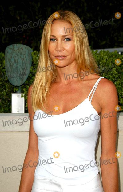 Kathleen Kinmont Pictures And Photos