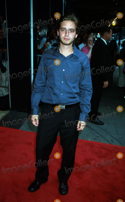 Aaron Stanford Photo - Aaron Stanford K25595jkron Tadpole Premiere at Cinema Ii in New York City 071502 Photo by John KrondesGlobe Photos Inc