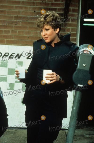 Nancy Allen Photo - Nancy Allen on Location of Robocop Photo by -Globe Photos Inc