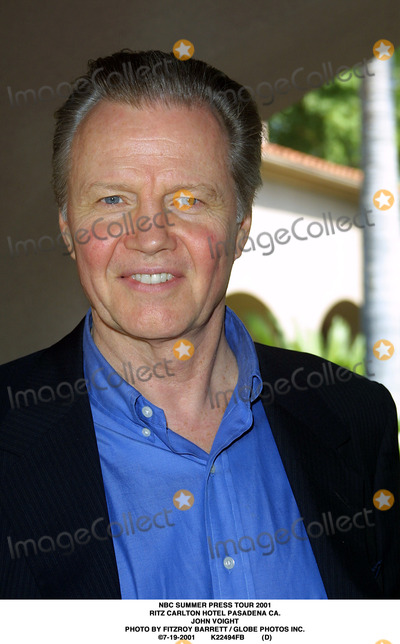 RITZ CARLTON Photo - NBC Summer Press Tour 2001 Ritz Carlton Hotel Pasadena CA John Voight Photo by Fitzroy Barrett  Globe Photos Inc 7-19-2001 K22494fb (D)