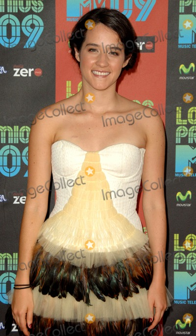Ximena Sarinana Photo - Ximena Sarinana attends Los Premios Mtv 2009 Held at the Gibson Amphitheatre in Universal City California on October 15 2009 Photos by David Longendyke-Globe Photos Inc 2009