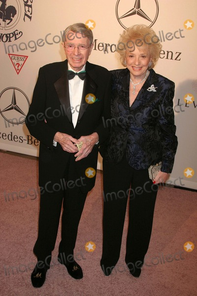 Army Archerd Photo - Mercedes-benz Presents the 17th Annual Carousel of Hope Ball to Benefit the Barbara Davis Center Beverly Hilton Hotel Beverly Hills CA 10-28-2006 Army Archerd and Wife Selma Photo Clinton H Wallace-photomundo-Globe Photos Inc