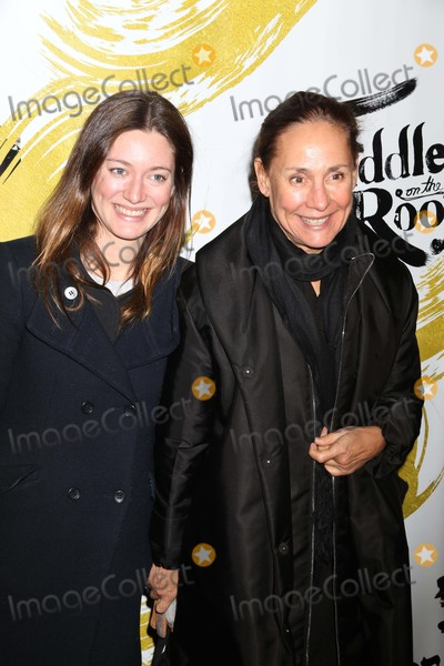 Laurie Metcalfe Pictures And Photos