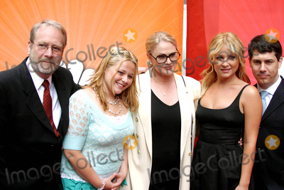 AMY HALLORAN Photo - NBC Upfront Event Radio City Music Hall New York City 5-16-2005 Photo by John Barrett-Globe Photos Inc 2005 Thick and Thin Cast Sharon Gless Jessica Capshaw Martin Mull Amy Halloran and Chris Parnell
