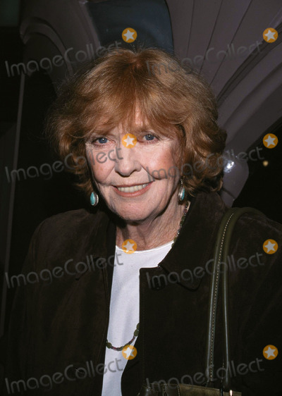 Ann Meara Photo -  the Independent Premiere the Fairfax Laemmle LA CA 12042001 Anne Meara Photo by Amy GravesGlobe Photosinc