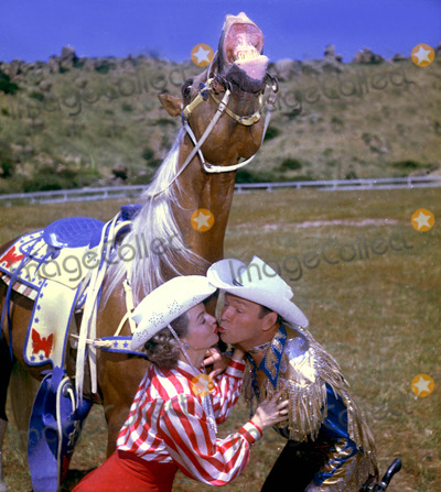 Roy Rogers Photo - Dale Evans and Roy Rogers with Trigger Globe Photos Inc