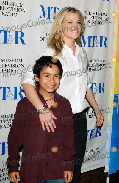 Noah Gray-Cabey Photo - Ali Larter and Noah Gray-cabey - Heroes - the Museum of Television  Radio Presents the 24th Annual William S Paley Television Festival - Directors Guild West Hollywood California - 03-10-2007 - Photo by Nina PrommerGlobe Photos Inc 2007