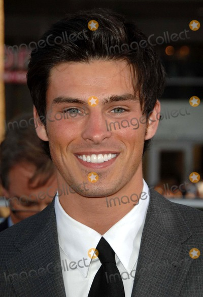 Adam Gregory Photo - Adam Gregory attends the Los Angeles Premiere of 17 Again Held at the Graumans Chinese Theater in Hollywood California on 04-14-09 David Longendyke-Globe Photos Inc 2009