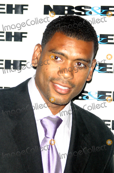 Alan Houston Photo - the 5th Annual Gala Awards Ceremony For the  National Black Sports and Entertainment Hall of Fame  at the Aaron Davis Hall in Harlem  New York City 08-30-2005 Photo Byrick Mackler-rangefinders-Globe Photos 2005 Alan Houston
