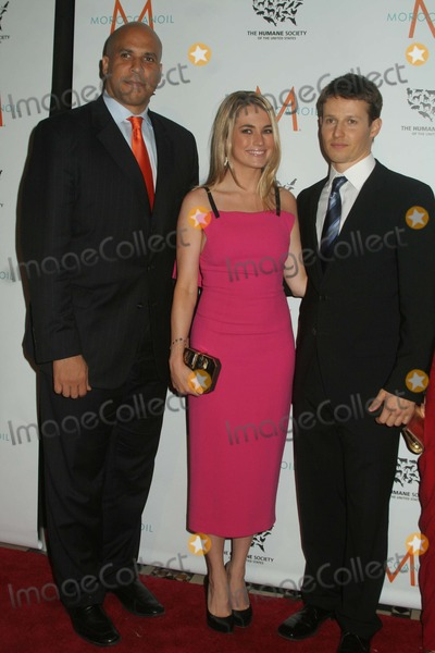 Amanda Hearst Photo - Will Estes Right Amanda Hearst Left Mayor Corey Booker 2011 Humane Society of the United States to the Rescue From Cruelty to Kindness Gala at Cipriani 42nd Street in New York 10-06-2011 Photo by Mitch Levy-Globe Photos Inc